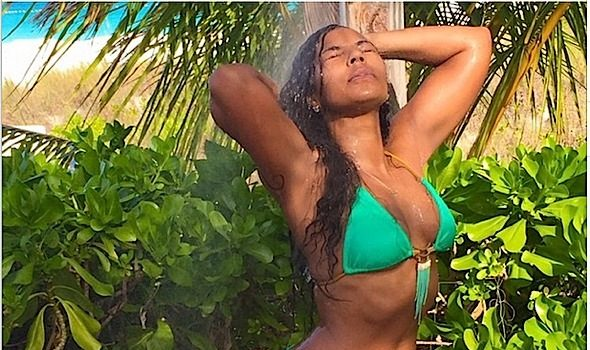 Ashanti Is Having A Ball in Turks & Caicos! [Photos]