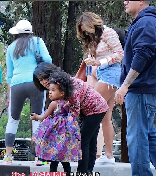 Beyonce, Blue Ivy, Tina Knowles, Solange & Julez Have Family Park Day [Photos]