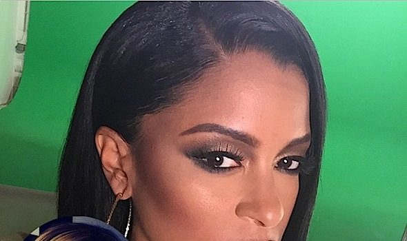 (UPDATE) Claudia Jordan Cries During Apology to Tameka 'Tiny' Harris: I felt awful about it for years! + Tiny Reacts & It's Not Pretty