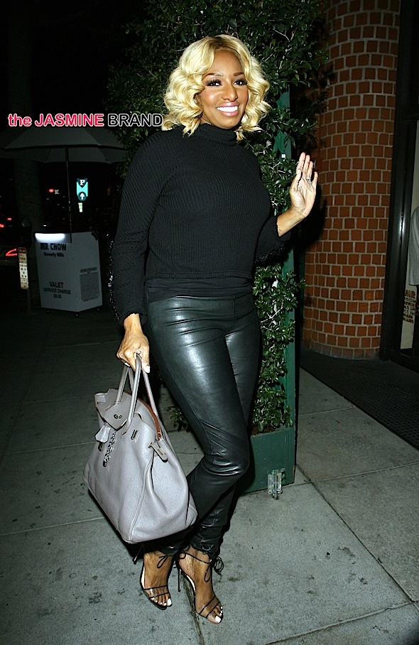 'The Real House Wives of Atlanta' star NeNe Leakes dines out with a male companion at Mr Chow in Beverly Hills, CA