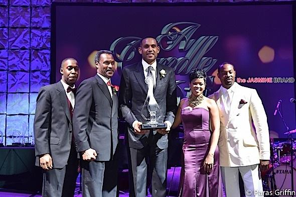 Grant recieves award