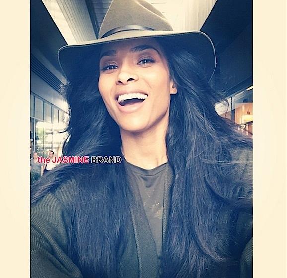 ciara snaps selfie-the jasmine brand