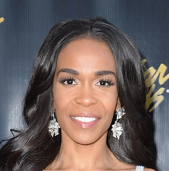 Michelle Williams Shows Off Impeccable Vocals! [VIDEO]