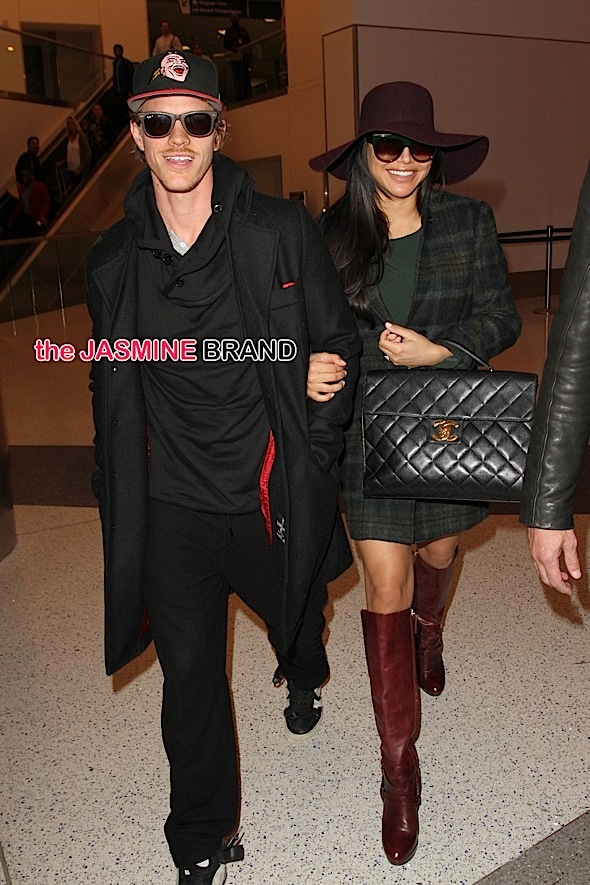 "A pregnant, Naya Rivera spotted with her new husband, Ryan Dorsey in Los Angeles as the adorable new couple recently announced the ""Glee"" actress is expecting."