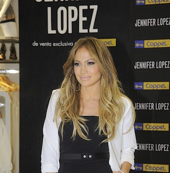 J.Lo Promotes Jennifer Lopez Fashion Collection in Mexico City [Photos]