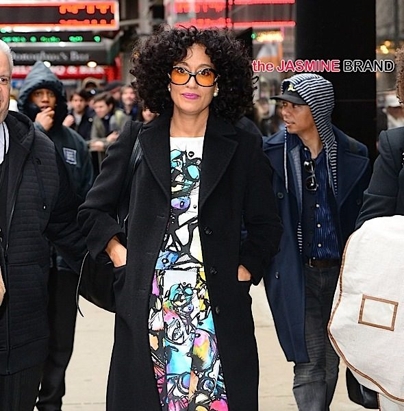 Lala Hits 'Women in Gold', Tracee Ellis Ross Leaves 'GMA', Blac Chyna Dines in Beverly Hills, Michael Strahan Beaches With Blonde + Ciara, Erykah Badu, Fantasia [Photos]