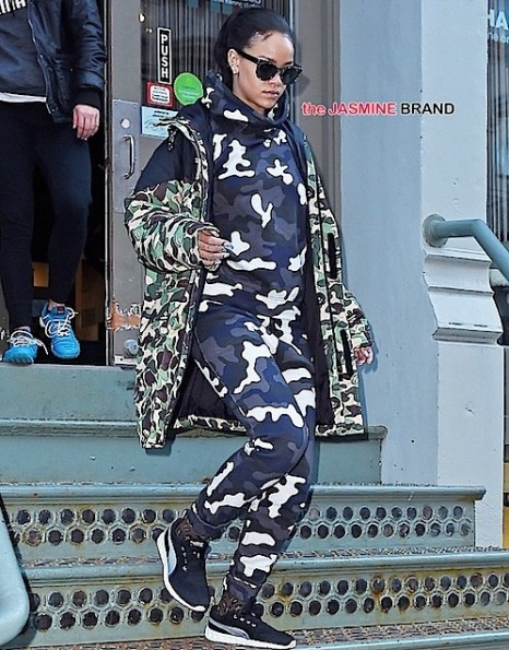 rihanna-leaves the gym in soho-the jasmine brand