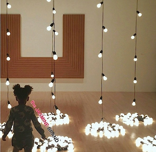 BlueIvy mesmerized by the lights at the Museum of Contemporary Art in LA -the jasmine brand