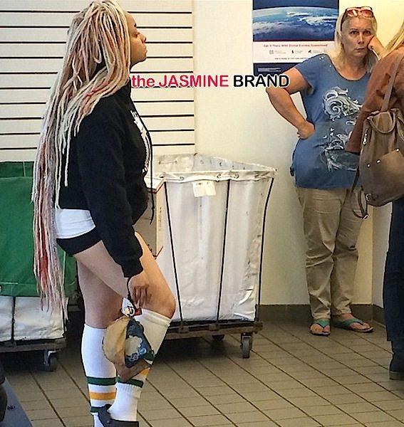 Raven Symone Goes Comfy to Post Office, Daphne Joy Shows Killer Curves in MIA + Kim Kardashian, Cassie, Erica Campbell, Nicki Minaj's Mama! [Photos]