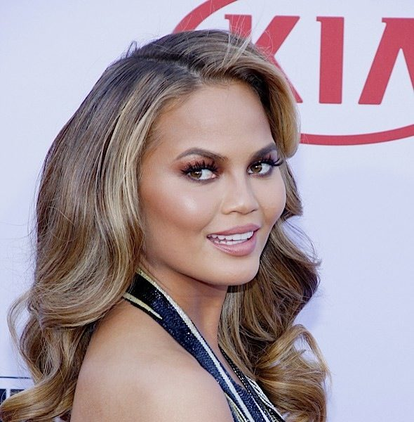 [UPDATE]: Chrissy Teigen Clarifies Plastic Surgery On Her Forehead, Nose, Lips & Armpits