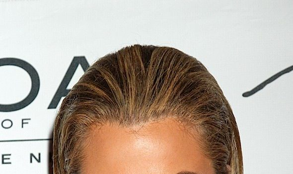 Khloe Kardashian To CAVS Critic: Lick my balls!