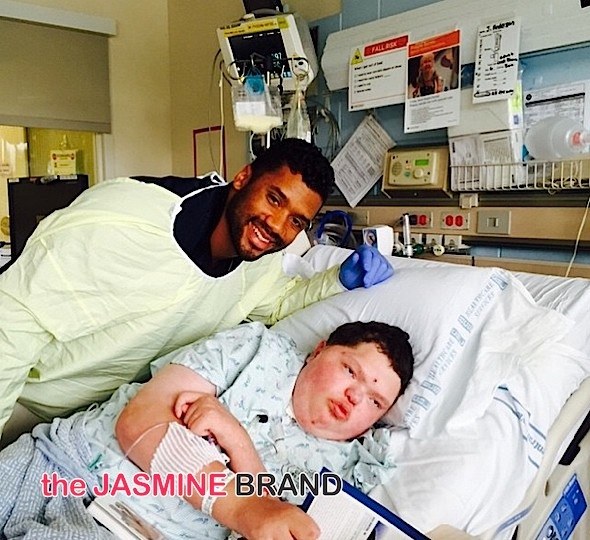 Ciara's Boyfriend NFL'er Russell Wilson Visits Children's Hospital [Photos]