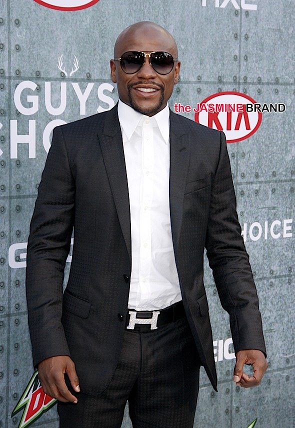 EXCLUSIVE: Floyd Mayweather To Make History, 'Glove Prints' Will Be Enshrined At Chinese Theater