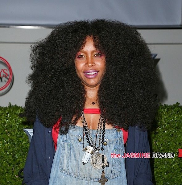 Erykah Badu Shuts Down Pregnancy Rumors