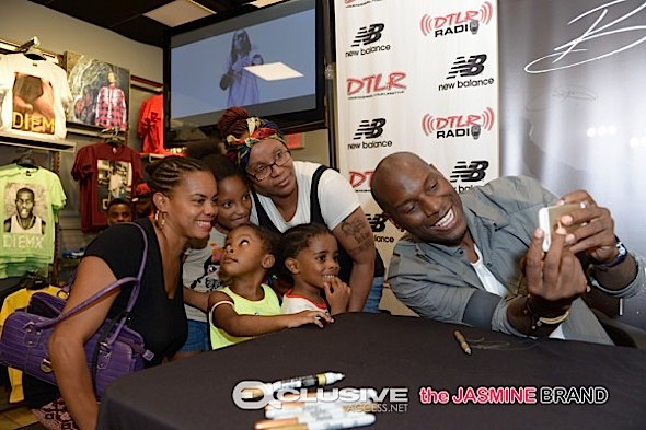 Tyrese Hosts 'Black Rose' Album Signing [Photos]