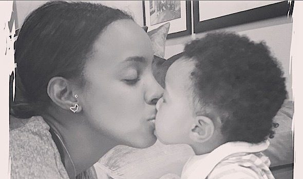 Kelly Rowland & Baby Titan Share An Adorable Kiss [Photos]