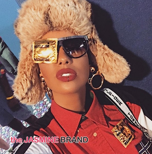 Amber Rose Shows Us How To Dress For A 90's Party! [Photos]