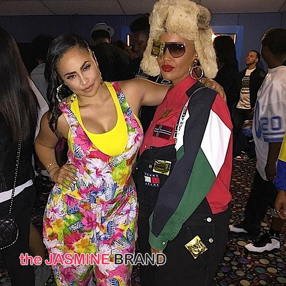 Amber Rose Shows Us How To Dress For A 90 S Party Photos