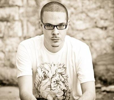 Shaun King Demands White Jesus Statues, Murals & Glass Paintings To Be Taken Down: It's Racist Propaganda!