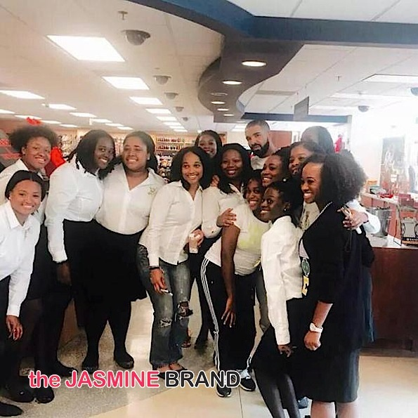 Drake Pops-Up At Howard University [Photos]