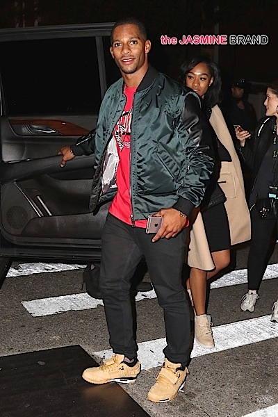 Victor Cruz was seen leaving the Barclay Center without his wife Elaina and his wedding ring
