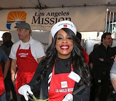 Chris Brown, Niecy Nash, T.I., Jeezy, Karrueche Tran Give Back for Thanksgiving [Photos]