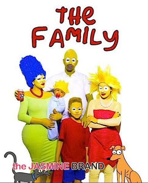 Emily B as Marge Simpson, Jonas as the Baby, Johan as Bart Simpson, Taina as Lisa Simpson, Fab as Homer Simpson, Snowball as Himself Santa's Little Helper as Himself