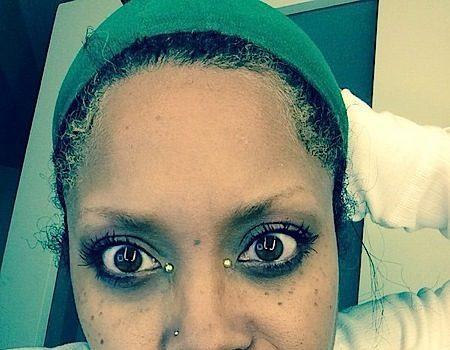 Erykah Badu Slams Trolls On Twitter: Get u ugly a$$ off the Inna net please!