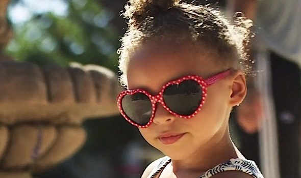 Riley Curry Is Now A Professional Model, See Her 1st Shoot! [Photos]