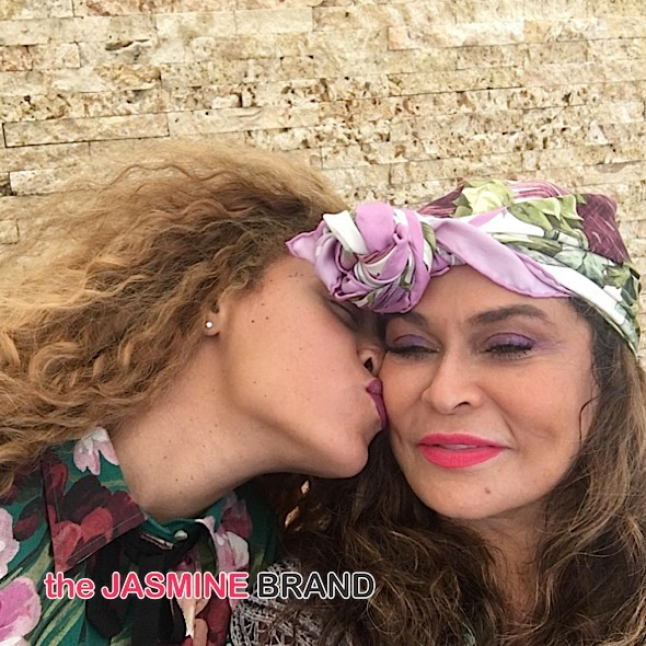 Beyonce Kisses Mom Tina Lawson-the jasmine brand