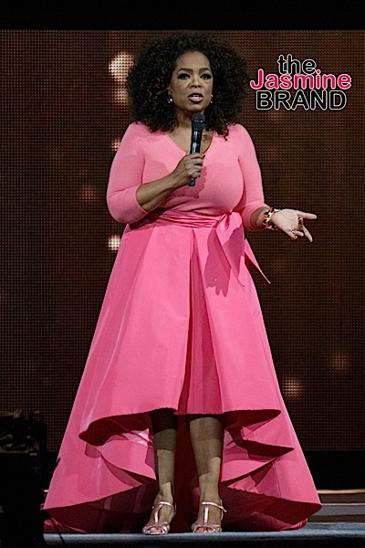 """Oprah Winfrey on stage in her """"An Evening With Oprah"""" Tour in Sydney"""