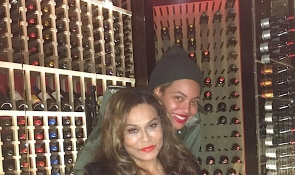 Beyonce & Solange Knowles Help Mama Tina Celebrate Birthday [Photos]
