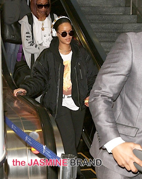 Rihanna Sighted Arriving at LAX Airport on January 8, 2016