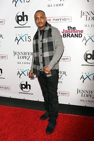 T.I. Spends 20k On Single Moms + Kandi Burruss Gives 300 Gifts To Families!