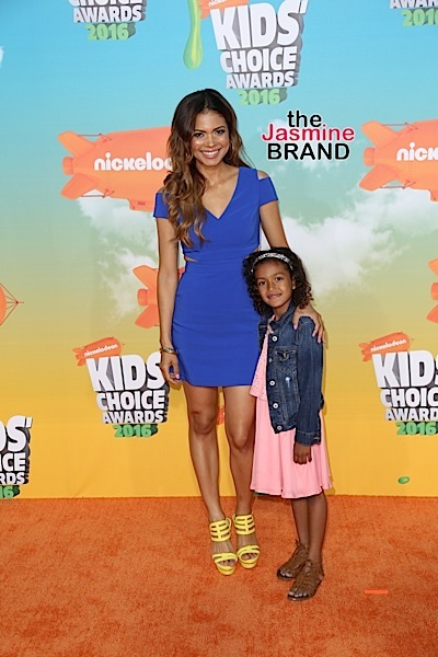 03/12/2016 - Jennifer Freeman, Isabella Watson - Nickelodeon's 2016 Kids' Choice Awards - Arrivals - The Forum - Inglewood, CA, USA - Keywords: Vertical, Arrival, Attending, People Person, Award, Television Show, Film, Portrait, Photography, Film Industry, Fashion, Arts Culture and Entertainment, Celebrity, Celebrities, Nickelodeon Kids' Choice Awards, Topix, Bestof, 29th Annual Nickelodeon Kids' Choice Awards, California Orientation: Portrait Face Count: 1 - False - Photo Credit: Guillermo Proano / PR Photos - Contact (1-866-551-7827) - Portrait Face Count: 1