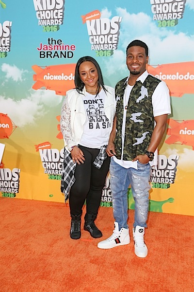 03/12/2016 - Asia Lee and Kel Mitchell - Nickelodeon's 2016 Kids' Choice Awards - Arrivals - The Forum - Inglewood, CA, USA - Keywords: Vertical, Arrival, Attending, People Person, Award, Television Show, Film, Portrait, Photography, Film Industry, Fashion, Arts Culture and Entertainment, Celebrity, Celebrities, Nickelodeon Kids' Choice Awards, Topix, Bestof, 29th Annual Nickelodeon Kids' Choice Awards, California Orientation: Portrait Face Count: 1 - False - Photo Credit: PRPhotos.com - Contact (1-866-551-7827) - Portrait Face Count: 1