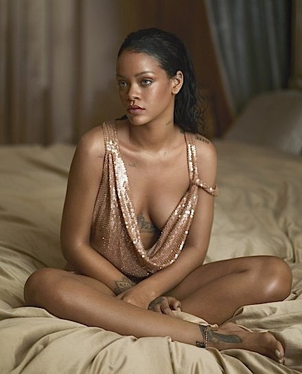Rihanna Downplays Fans Pitting Her Against Beyonce: I can only do me. [Photos]