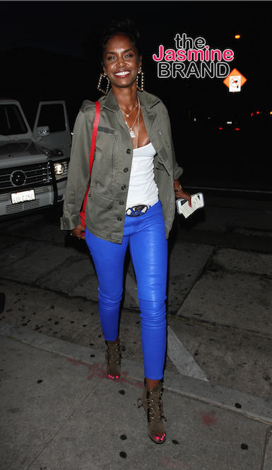 Kim Porter Dines At Craig's Restaurant in West Hollywood.