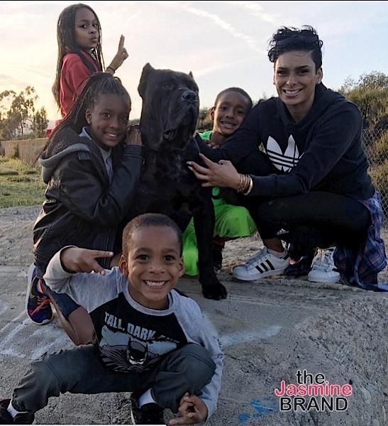 Laura Govan with their 4 children