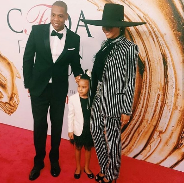 Beyonce & Jay Z Bring Blue Ivy to the CFDA Awards, Singer Snags Fashion Icon Award [Photos]