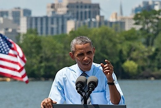 Former President Obama Makes Debut On R&B Charts