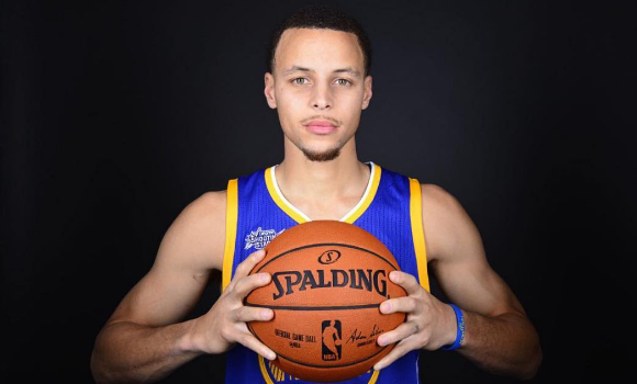 Steph Curry's Kids Camp Costs $2k, NFL'er Michael Bennett Calls Him Out: It should be free!