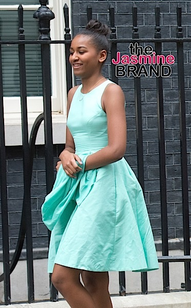 Unglamorous Much? Sasha Obama Works At Seafood Restaurant
