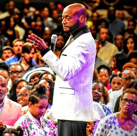 Bishop Eddie Long Reacts To Reports of Cancer & Hospitalization