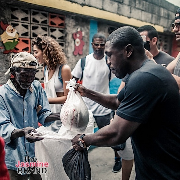 Andre Berto Gives Back to Hurricane Mathew Victims