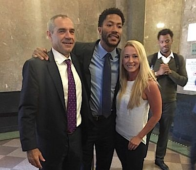 Derrick Rose Cleared in Rape Lawsuit, Poses With Juror [Photos]