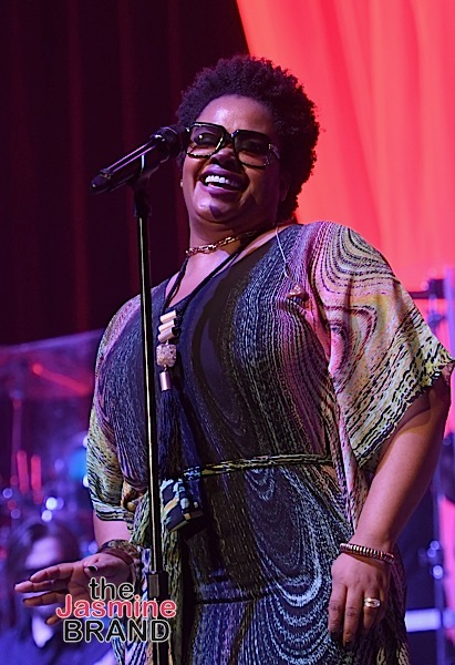LAS VEGAS, NV - NOVEMBER 04: Singer-songwriter Jill Scott performs onstage during 2016 Soul Train Music Awards - Soul Train Music Fest on November 4, 2016 in Las Vegas, Nevada. (Photo by Paras Griffin/BET/Getty Images for BET)
