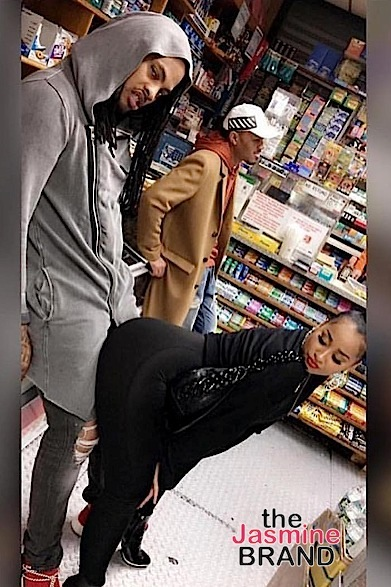 Mayweather Hits NBA Game With Kids, Derrick Rose & Girlfriend Serve PDA, Tammy Rivera Backs It Up On Hubby + Tiffany Foxx, LeToya Luckett, Jason Momoa, Leon Robinson