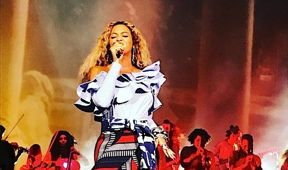 Beyoncé Hosted A Lemonade Themed Holiday Party [VIDEO]