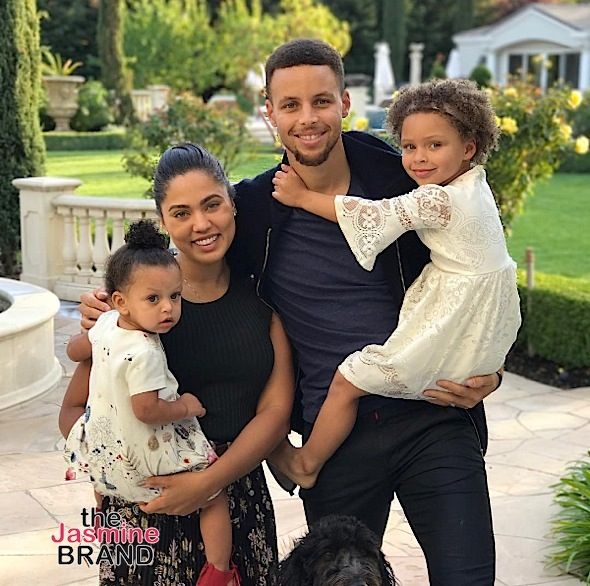 The Curry's share their holiday Christmas photo.